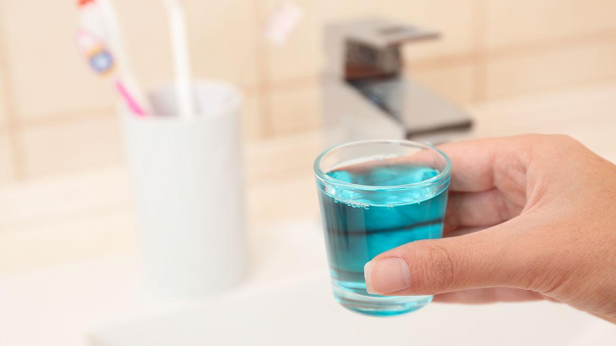 Κορωνοϊός: Τα διαλύματα που εξουδετερώνουν τον ιό σε 30″