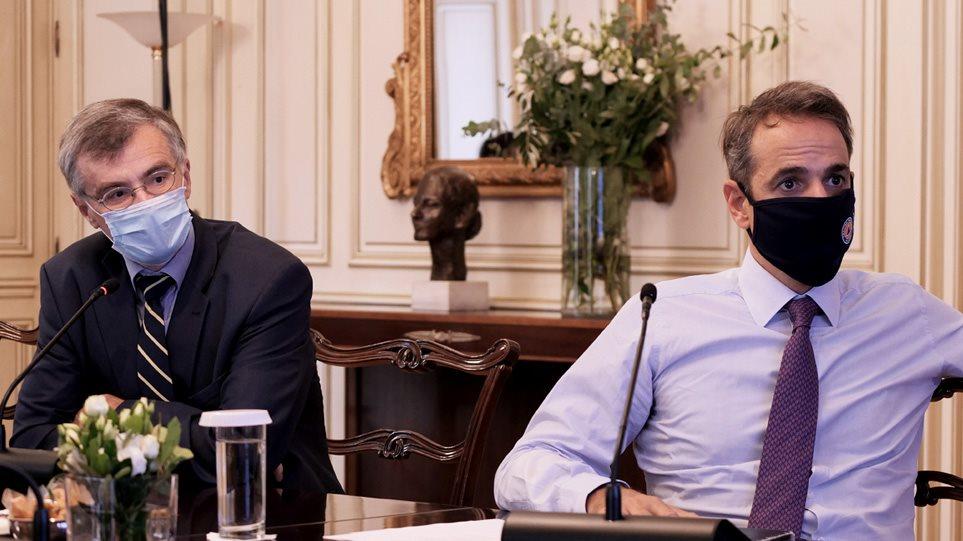 Κορωνοϊός: Συσκέψεις στο Μαξίμου για τα νέα μέτρα – Ίσως και εντός της ημέρας οι ανακοινώσεις