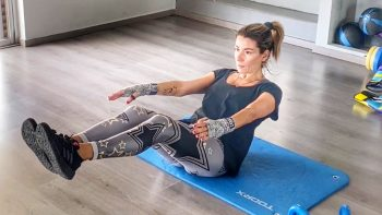 Lockdown: Τέσσερις ασκήσεις που καίνε θερμίδες και δυναμώνουν την καρδιά