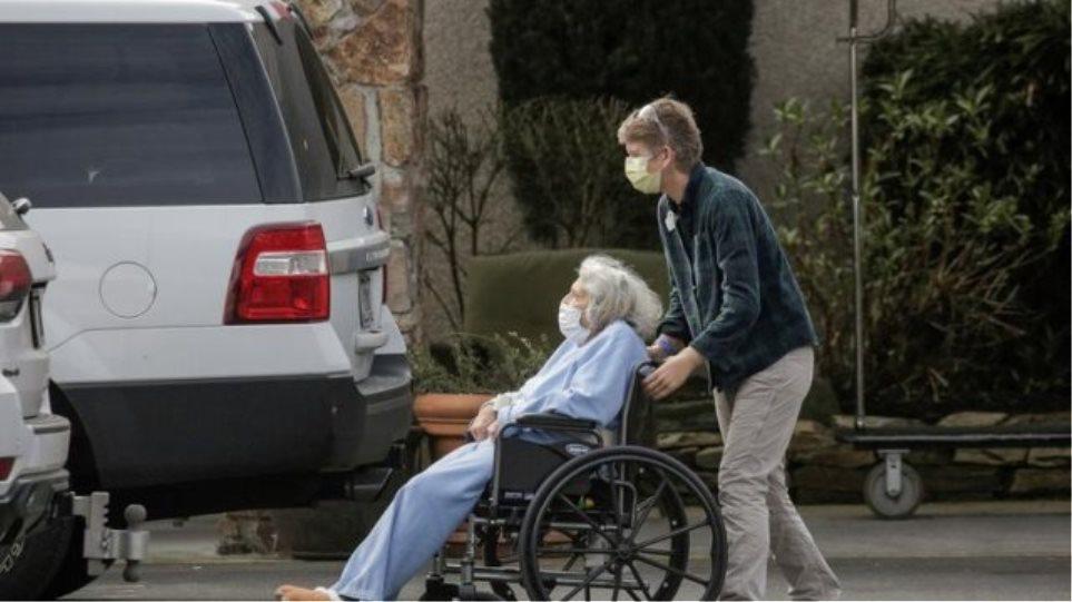 Κορωνοϊός – Ισπανία: Τρόφιμοι και υγειονομικοί σε γηροκομεία θα εμβολιαστούν πρώτοι