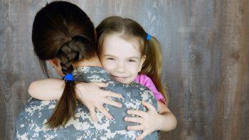 Οκτώ τρόποι να μεγαλώσουμε παιδιά με αυτοεκτίμηση