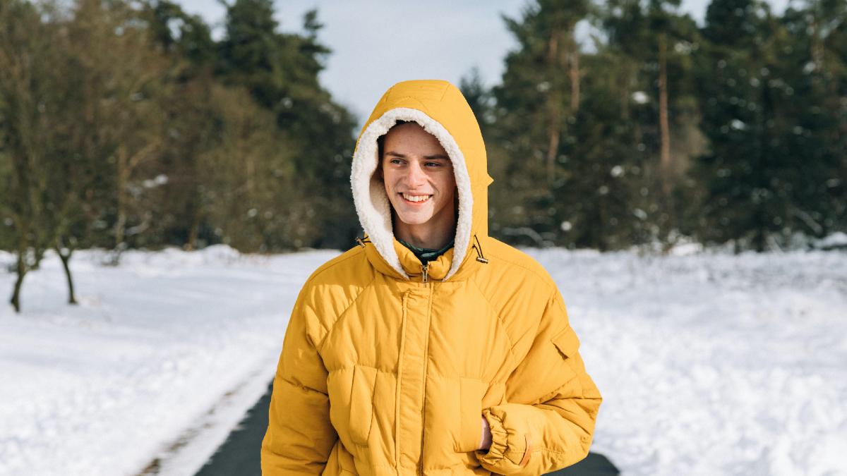 Είναι αλήθεια ότι αν βγούμε στο κρύο θα κρυολογήσουμε; Οι ειδικοί εξηγούν
