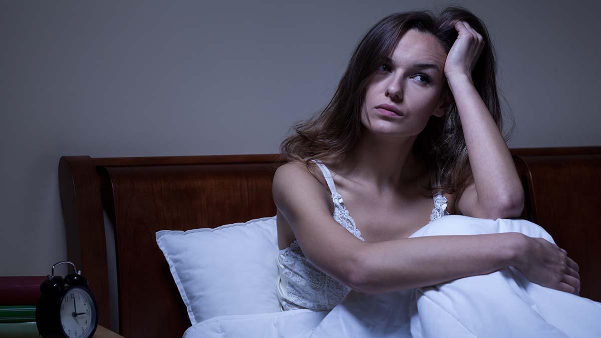 Ξυπνάτε συχνά μέσα στη νύχτα; Δείτε που μπορεί να σας οδηγήσει αυτό