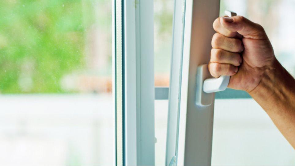 Κορωνοϊος: Πώς να βελτιώσετε τον αερισμό στα σπίτια σας;