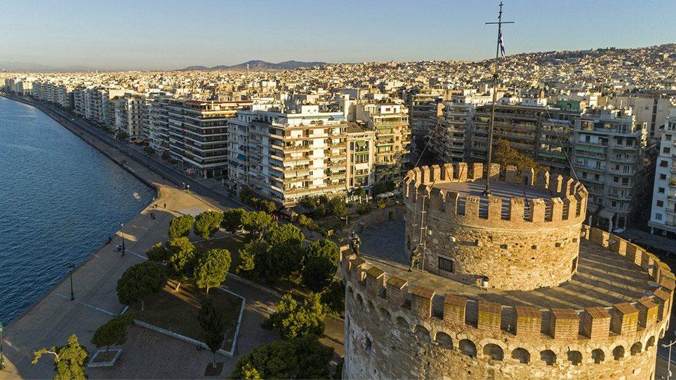 Θεσσαλονίκη: Τα χαμηλά επίπεδα του ιικού φορτίου στα λύματα «δείχνουν» άρση μέτρων