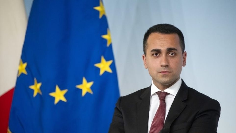 Η Ιταλία προχωρά τις νομικές ενέργειες κατά Pfizer και Astrazeneca