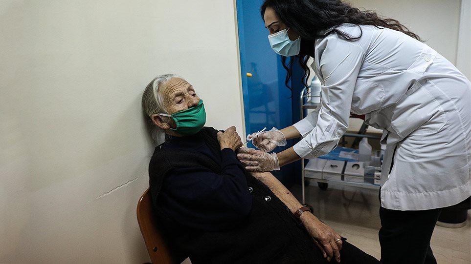 «Εύθραυστη» η επιδημιολογική εικόνα της χώρας – Πόσο προστατεύει η πρώτη δόση του εμβολίου;