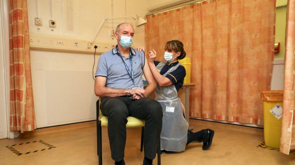 Κορωνοϊός – Βρετανία: Ένας στους 330 εμβολιασμένους παρουσίασε παρενέργειες κι αυτές ήταν ήπιες