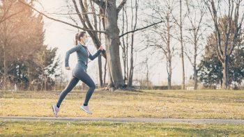 Τρέξιμο με μάσκα ή χωρίς; Τι απαντούν οι ειδικοί