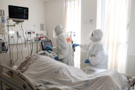 Ενημέρωση για τις διαθέσιμες κλίνες ΜΕΘ στις ιδιωτικές κλινικές ζητά το Υπουργείο Υγείας