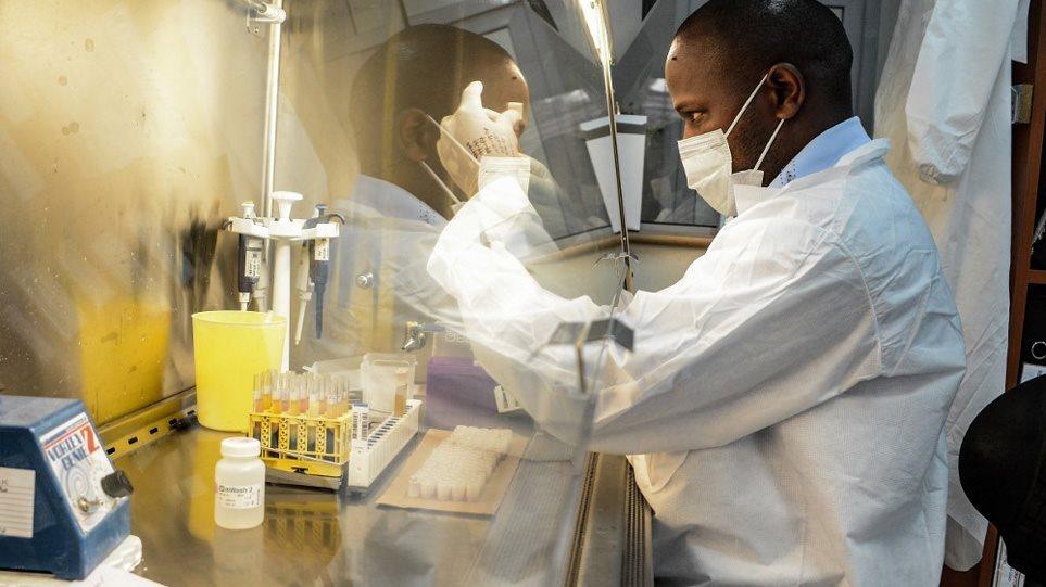 Νέες ελπίδες: Ενθαρρυντικές οι δοκιμές της Merck για φάρμακο κατά της Covid-19 που θα χορηγείται από το στόμα