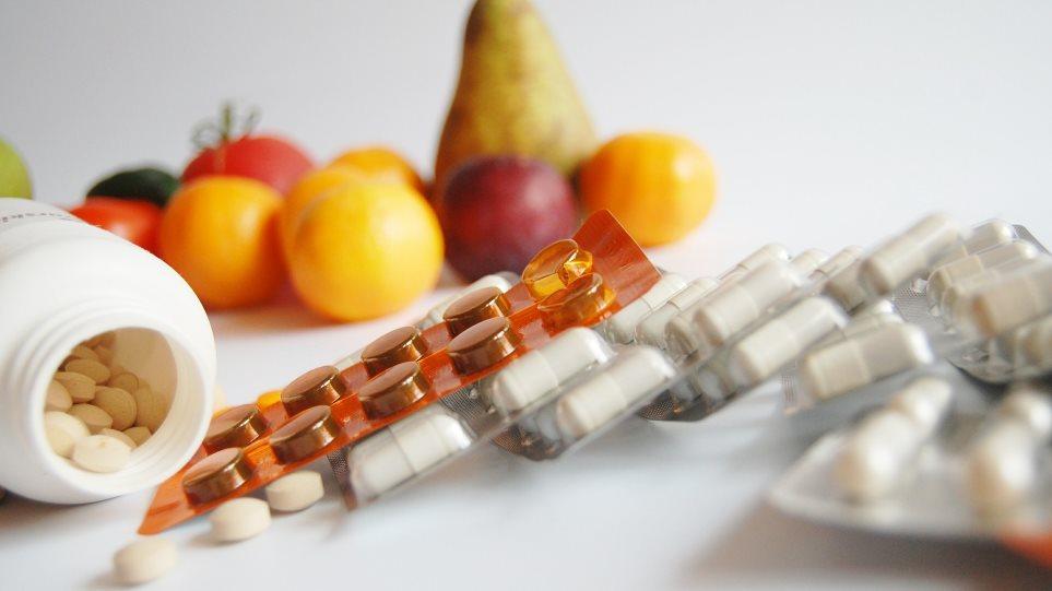 Βοηθούν η βιταμίνη C και τα συμπληρώματα ψευδαργύρου με τα συμπτώματα της Covid-19;