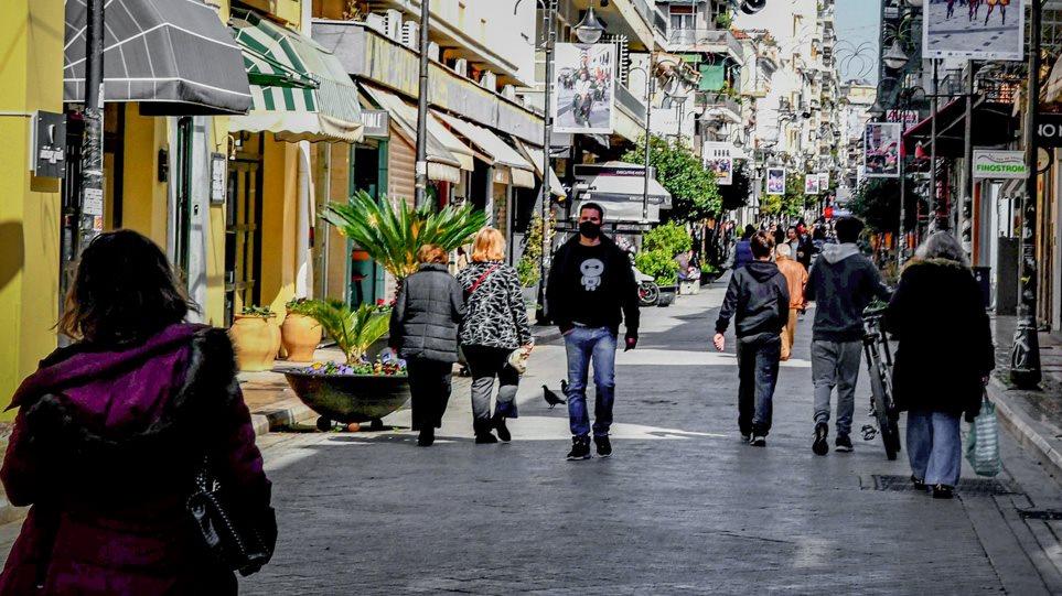 Κορωνοϊός: Lockdown με «βαλβίδες αποσυμπίεσης» – Τι αλλάζει σε μετακίνηση και δραστηριότητες