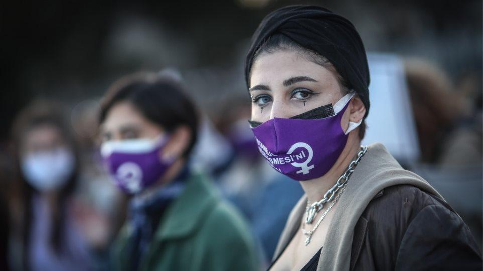Τουρκία: Μαύρο ρεκόρ με σχεδόν 55.000 κρούσματα τις τελευταίες 24 ώρες