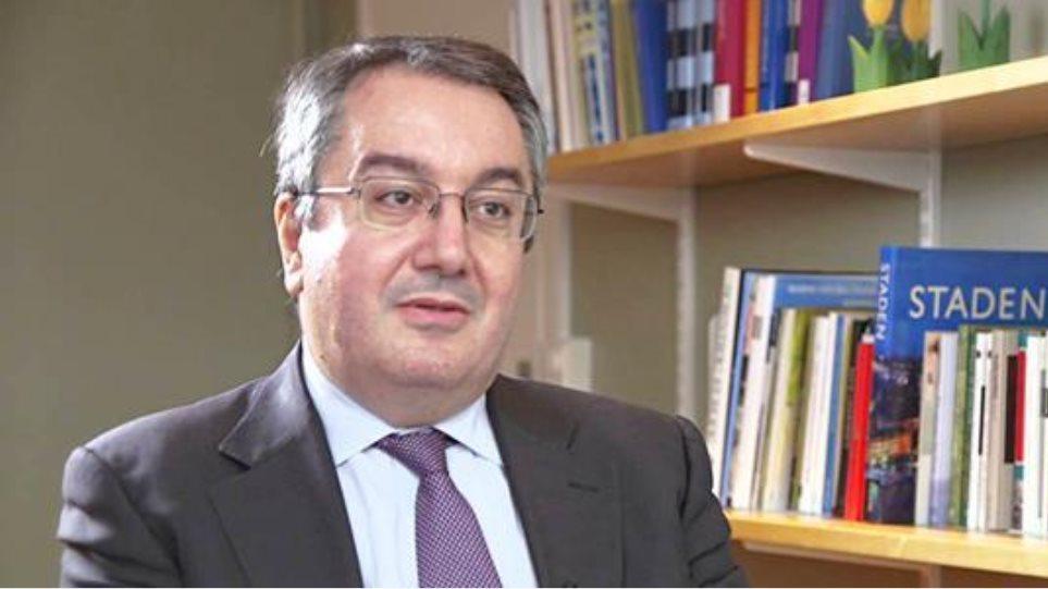 Μόσιαλος για AstraZeneca: Να υπάρξει κοινή ευρωπαϊκή πολιτική – Θα κάνω και τη δεύτερη δόση
