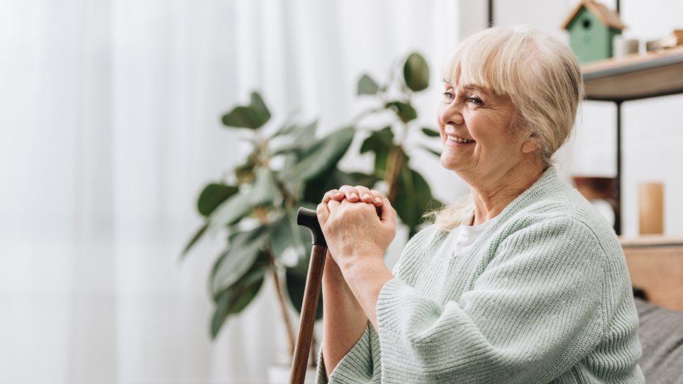 Υπερδιπλάσιος ο κίνδυνος άνοιας σε ηλικιωμένους με προβλήματα όρασης και ακοής