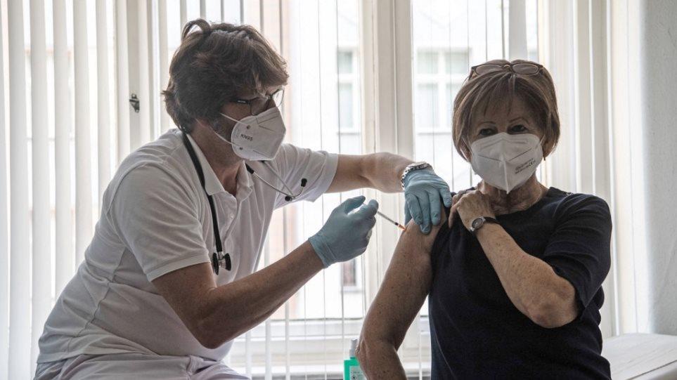 Γερμανία: Ρεκόρ εμβολιασμών την Τετάρτη – Καταγράφηκαν 656.357