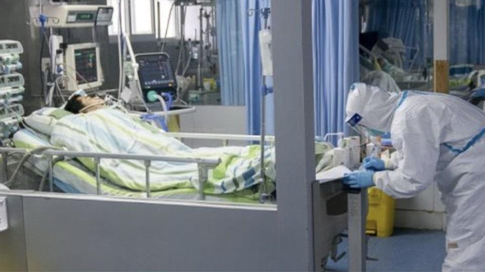 ΗΠΑ: Μάχη για τη ζωή του δίνει 52χρονος που μολύνθηκε από κορωνοϊό παρά τον εμβολιασμό με Johnson&Johnson