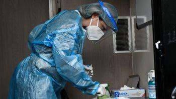 Εμβολιασμοί: Ραντεβού εξπρές για 800.000 πολίτες με υποκείμενα νοσήματα