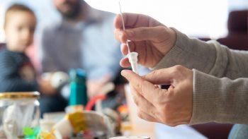 Κορωνοϊός – Διάγνωση: Ο παράγοντας που αυξάνει κατά 22% την πιθανότητα θετικού αποτελέσματος