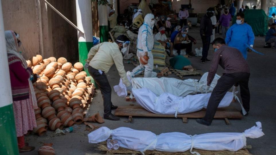Κορωνοϊός – Ινδία: Σε ιστορικό υψηλό ο μέσος όρος των κρουσμάτων ημερησίως την τελευταία εβδομάδα
