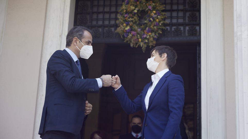 Μητσοτάκης στην πρωθυπουργό της Σερβίας: Αναγνωρίζουμε για την είσοδο των τουριστών όλα τα εμβόλια που έχετε χορηγήσει