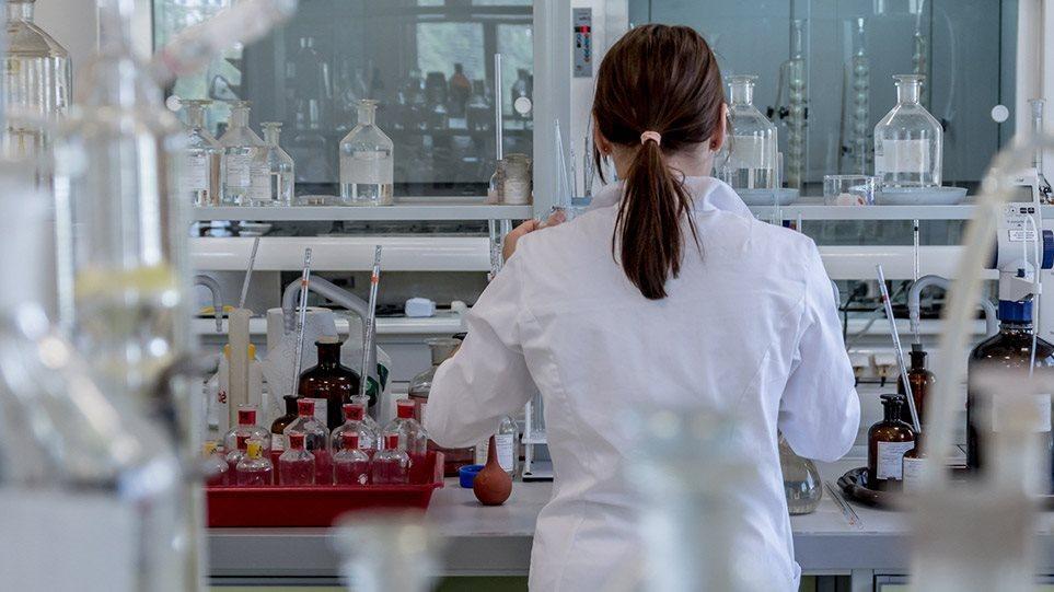 Κορωνοϊός: Ποια 5 νέα φάρμακα μπαίνουν στη «μάχη» κατά της Covid-19