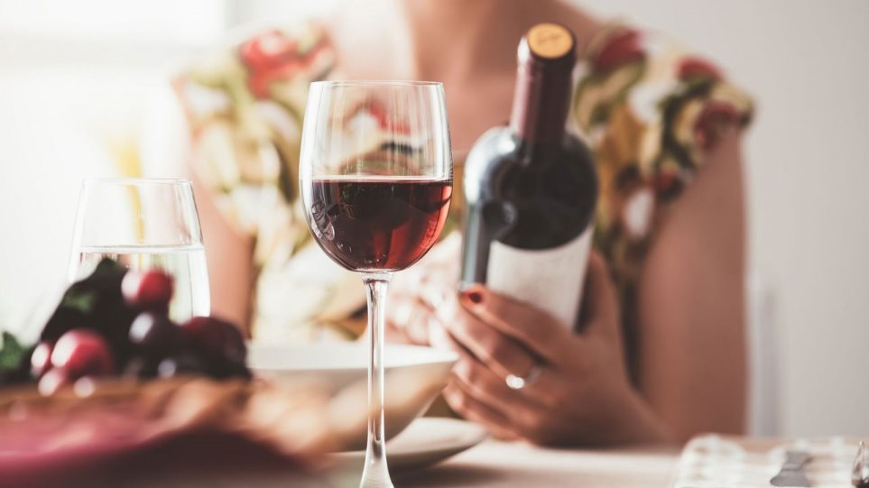 Έρευνα: Οι Έλληνες και οι Αλβανοί κατανάλωσαν το λιγότερο αλκοόλ στην Ευρώπη κατά το lockdown