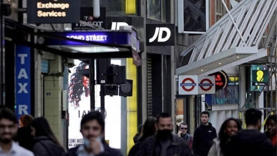 Βρετανία: Ψηλά και πάλι τα κρούσματα – Πάνω από 7.000, αγωνία για την ινδική μετάλλαξη