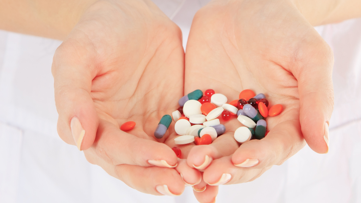 Κορωνοϊός: Τα σωτήρια φάρμακα που «δαμάζουν» τον ιό – Τα έχουμε όλοι σπίτι μας