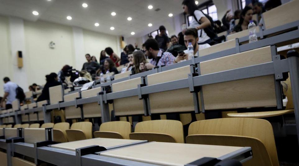Κεραμέως: Έρχονται εμβολιαστικά κέντρα σε όλα τα πανεπιστήμια της χώρας