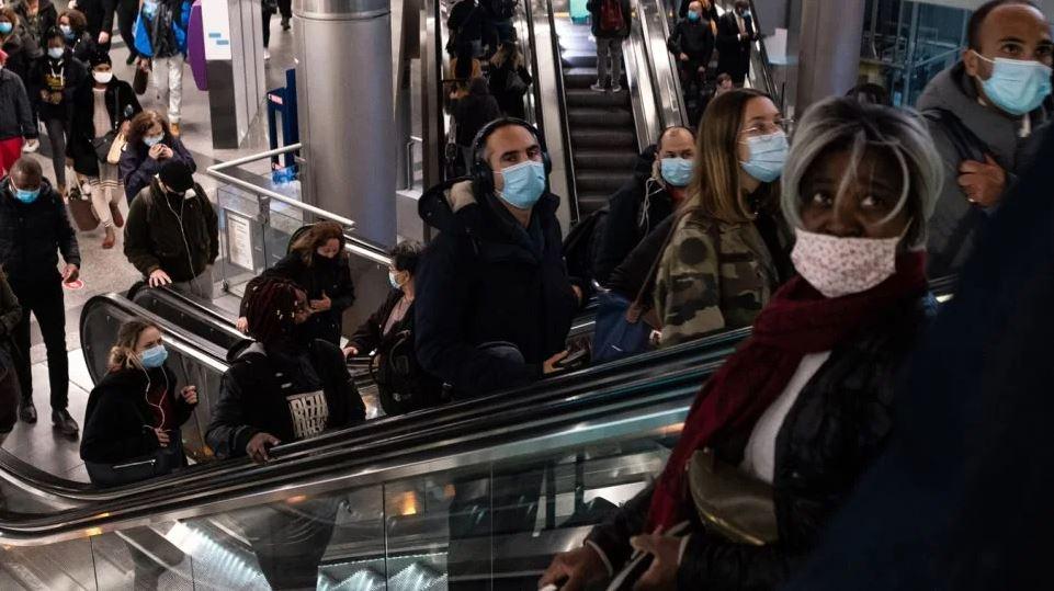 Ραγδαία εκτόξευση των κρουσμάτων στην Ευρώπη: Ξεπέρασαν τις 50 εκατ. οι μολύνσεις, σχεδόν 1,3 εκατ. νεκροί