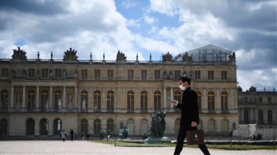 Γαλλία: Τέλος στην υποχρεωτική χρήση μάσκας για όσους διαθέτουν υγειονομικό πιστοποιητικό