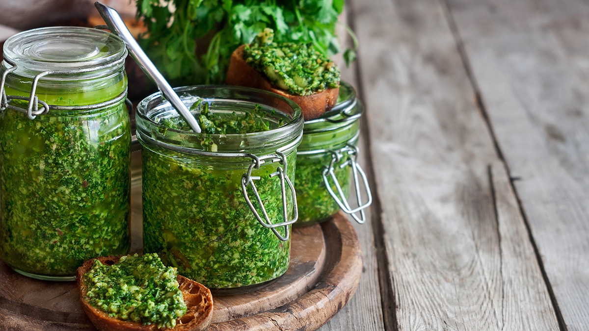 Το αρωματικό βότανο που μειώνει τη χοληστερόλη, διώχνει το άγχος και ρυθμίζει την πίεση