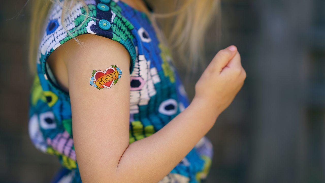Αυτοκόλλητα τατουάζ: Πόσο ασφαλή είναι για τα παιδιά