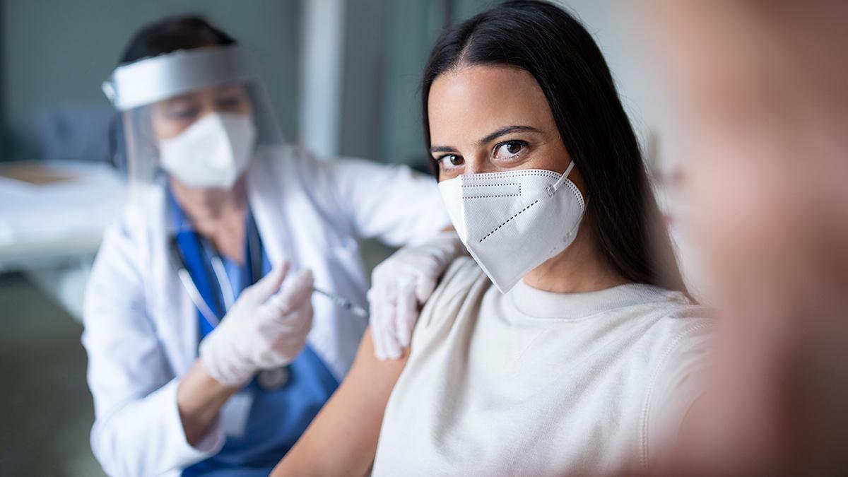Κορωνοϊός – Εμβόλιο: Εσείς βγάλατε selfie; Πώς μια φωτογραφία επηρεάζει την πανδημία
