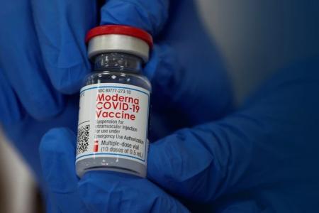 Ερευνα: Ποιο εμβόλιο βγήκε πιο αποτελεσματικό στην πρόληψη της νοσηλείας