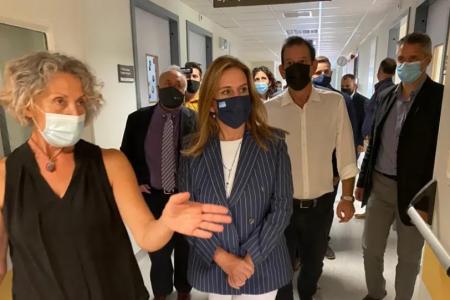 Το Ψυχιατρικό Τμήμα του Παναρκαδικού νοσοκομείου επισκέφθηκε η Ζωή Ράπτη