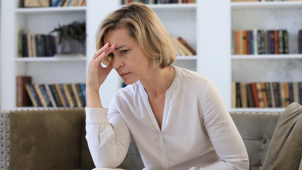 Κατάθλιψη: Απειλεί έναν στους τρεις – Ποιοι είναι πιο ευάλωτοι