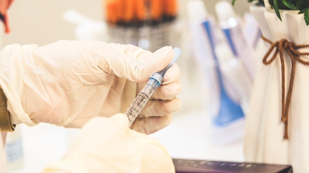 Ρευματοειδής αρθρίτιδα: Πειραματικό εμβόλιο την προλαμβάνει