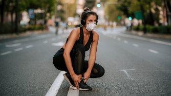 Κορωνοϊός: Τα 10′ που σάς προστατεύουν από σοβαρή νόσηση